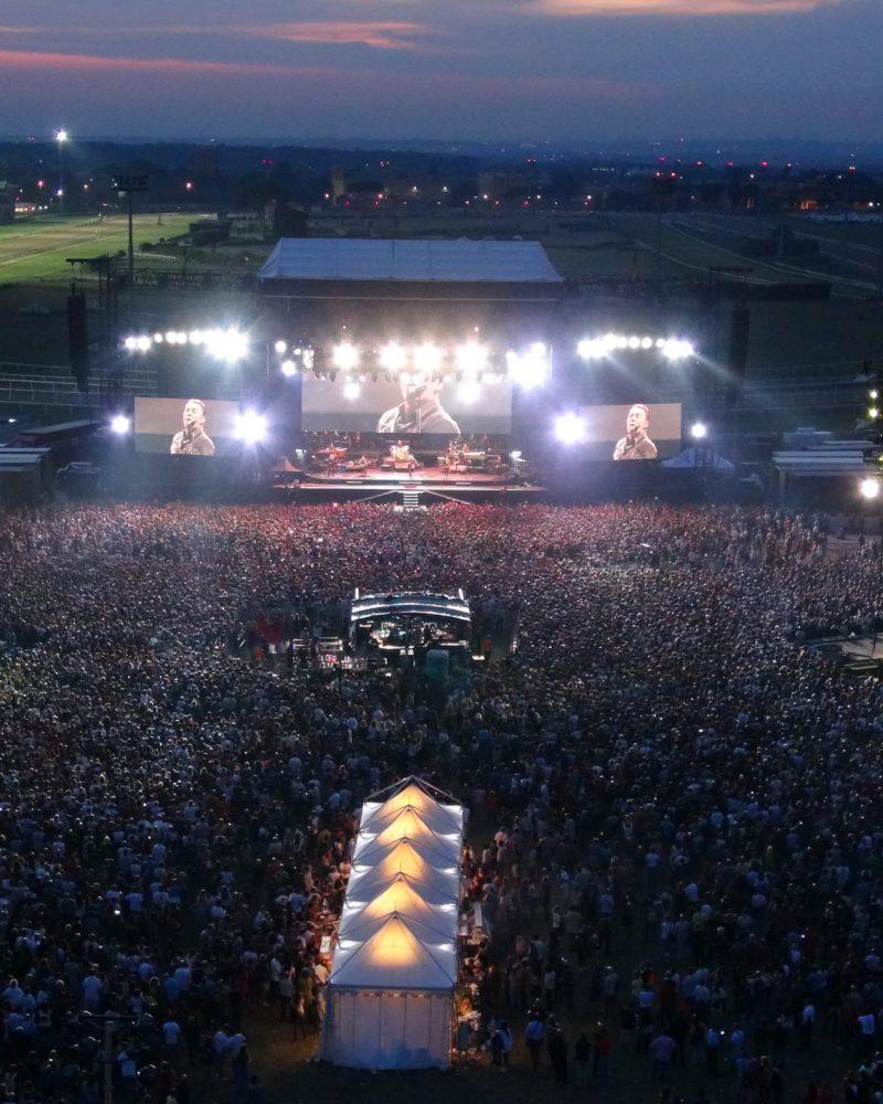 Bruce-Springsteen_rir-2013-drone